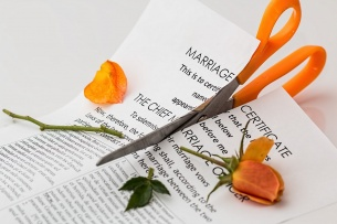 Addio nuovi poveri per colpa dell'assegno di mantenimento al coniuge divorziato!